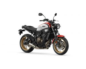 2020-Yamaha-XS700-EU-Dynamic_White-Studio-001-03