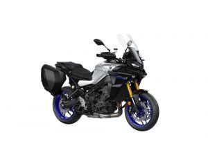 2021-Yamaha-MT09TRGT-EU-Icon_Performance_-Studio-001-03
